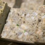 Австралийцы научились создавать полимерный бетон из старого стекла